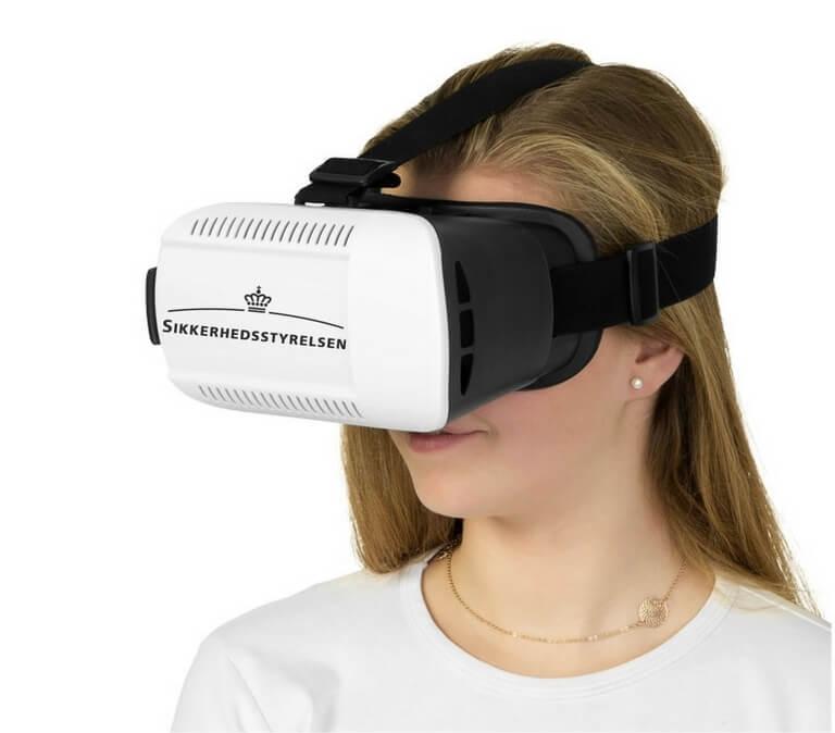 VR Briller med logo tryk i brug